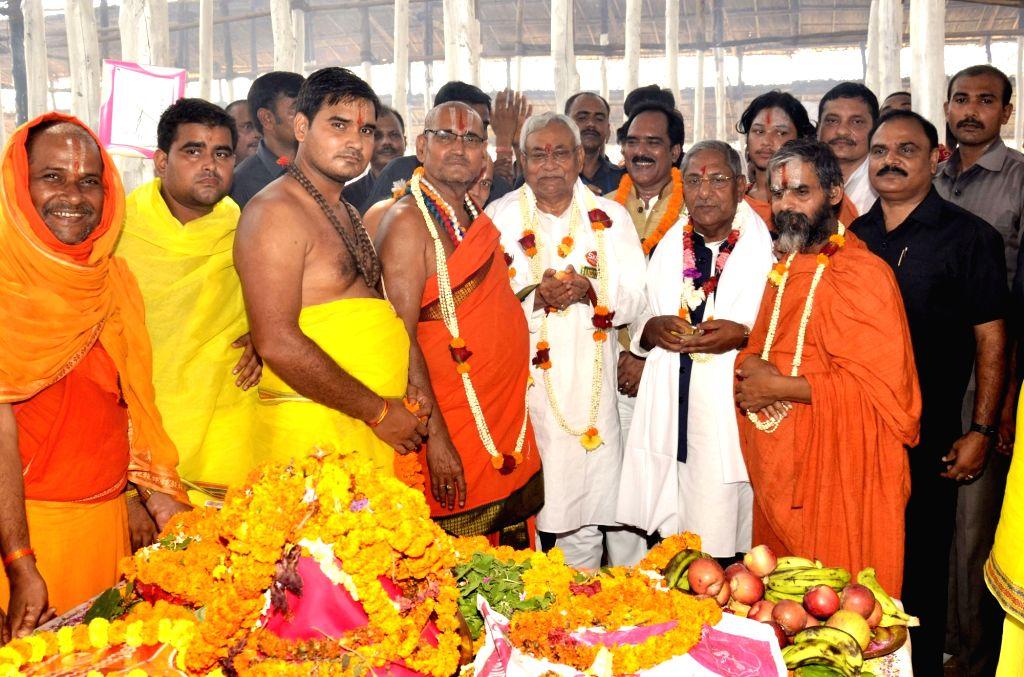 Bihar Chief Minister Nitish Kumar attends birth anniversary celebrations of Ramanuj Swami Maharaj in Arrah of Bihar's Bhojpur district on Oct 4, 2017. - Nitish Kumar