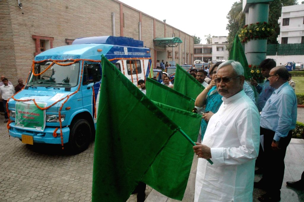 Bihar Chief Minister Nitish Kumar flagg off Mobile water cleaning system during inauguration of rural piped water supply schemes in Patna on July 20, 2016. - Nitish Kumar