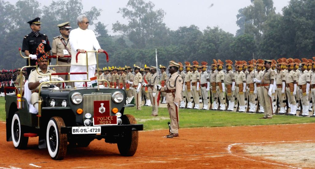 Bihar Chief Minister Nitish Kumar inspects Guard of Honour during Independence Day parade  in Patna on Aug 15, 2016. - Nitish Kumar