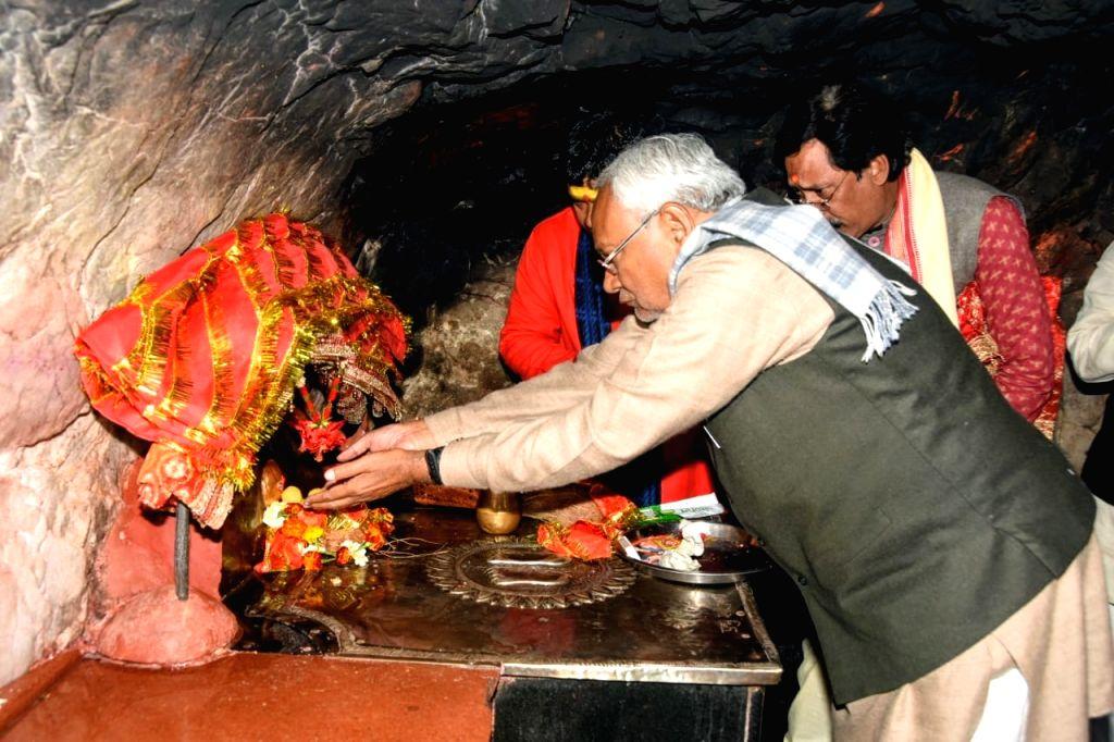 Bihar Chief Minister Nitish Kumar offers prayers to Goddess Shakti at the Chandika Sthan in Munger on Jan 10, 2020. - Nitish Kumar