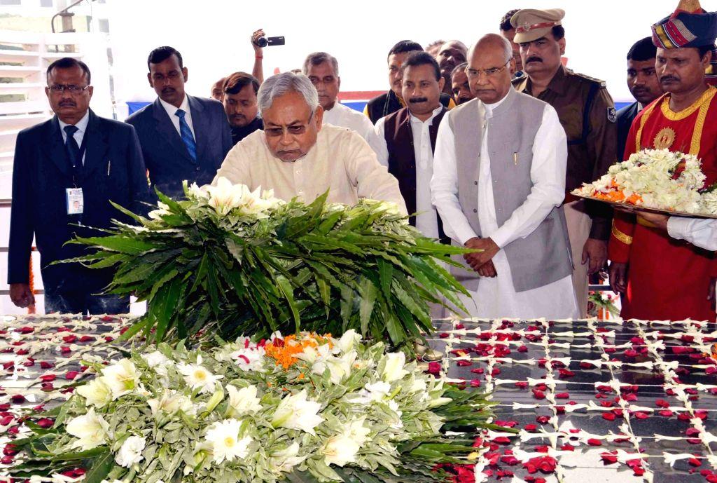 Bihar Chief Minister Nitish Kumar pays tribute to former President Late Dr. Rajendra Prasad on his 131st birth anniversary in Patna, on Dec 3, 2015. - Nitish Kumar