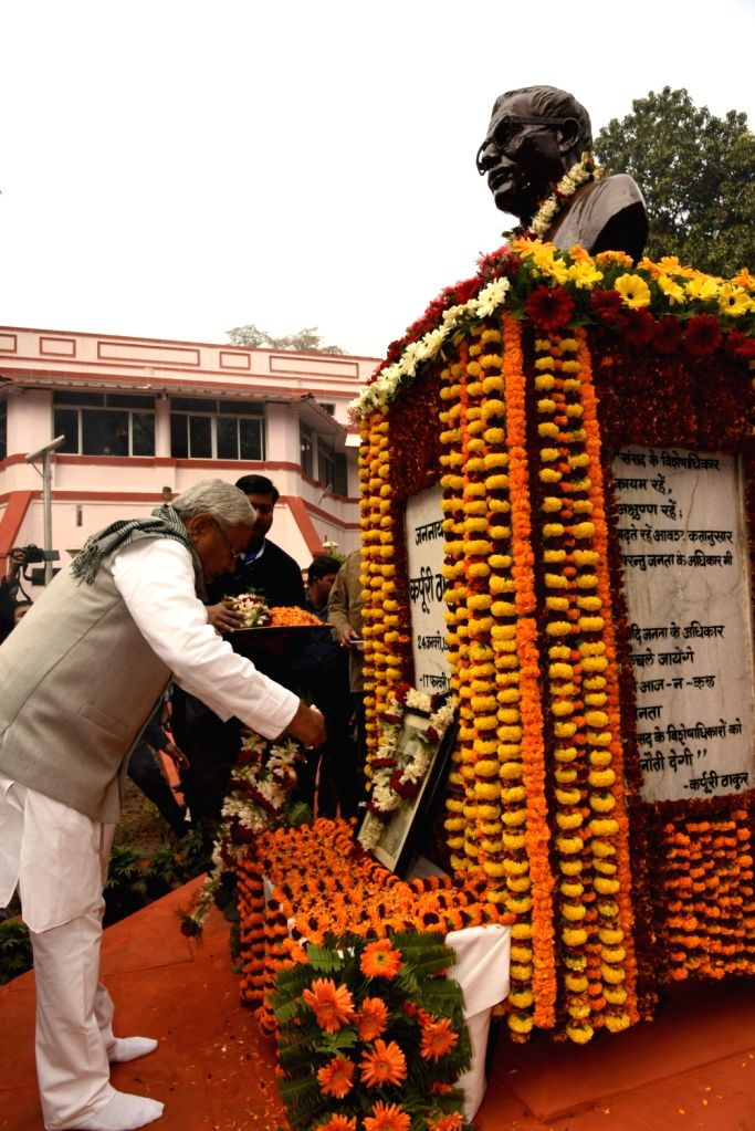 Bihar Chief Minister Nitish Kumar pays tributes to Former Bihar Chief Minister Karpoori Thakur on his birth anniversary in Patna on Jan 24, 2018. - Nitish Kumar