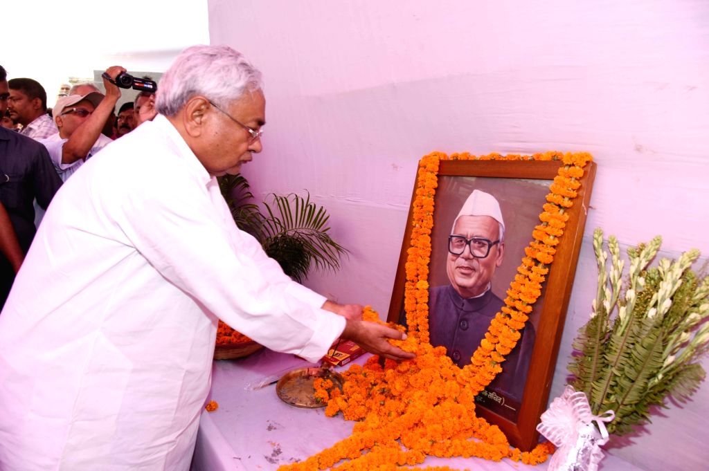 Bihar Chief Minister Nitish Kumar pays tributes to senior Congress leader and former Union Minister L.P. Shahi, in Patna on June 10, 2018. Shahi died early on June 9, 2018 at the All India ... - Nitish Kumar