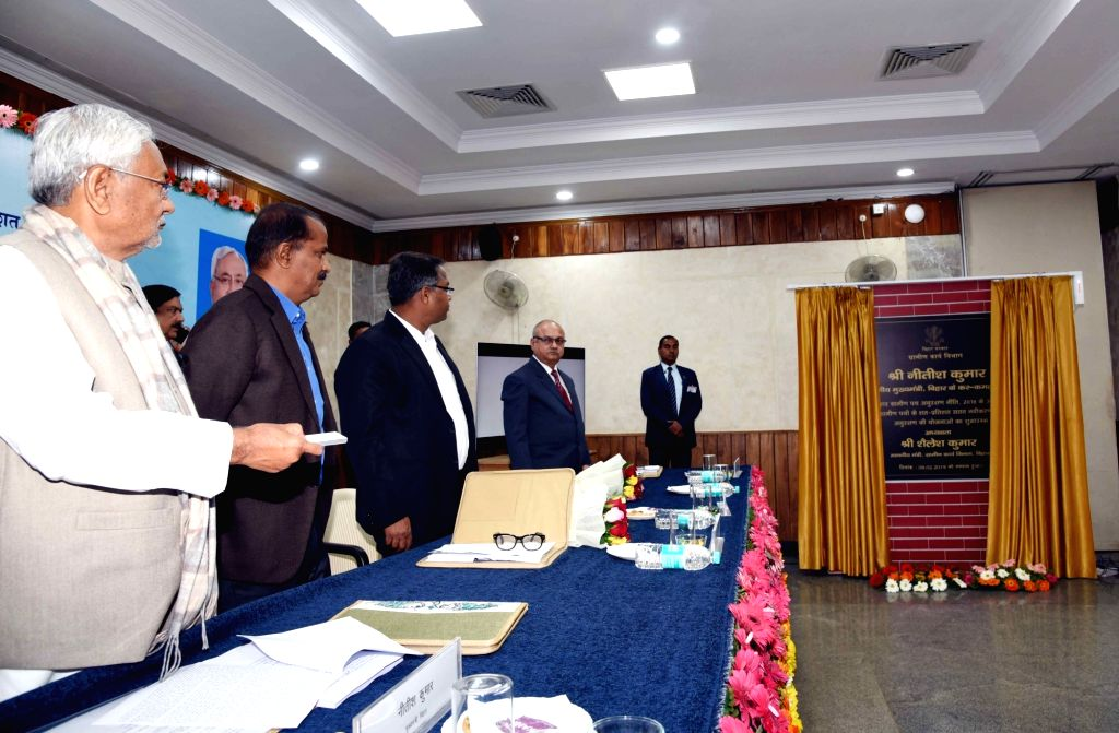 Bihar Chief Minister Nitish Kumar unveils the plaque to inaugurate various schemes of Rural Development department in Patna, on Feb 9, 2019. - Nitish Kumar