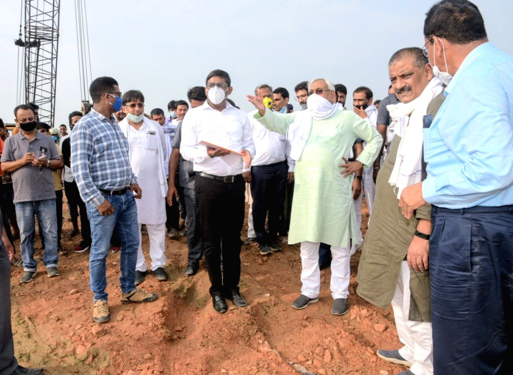 Bihar Chief Minister Nitsih Kumar during his inspection visit to the Jaynagar river embankment, Kamla wear point and Naruvar river embankment in Bihar's Madhubani on June 24, 2020. - Nitsih Kumar
