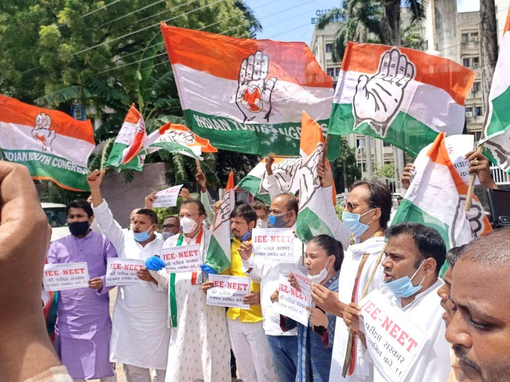 Bihar: Congress takes to the streets to demand postponement of NEET, JEE exams.