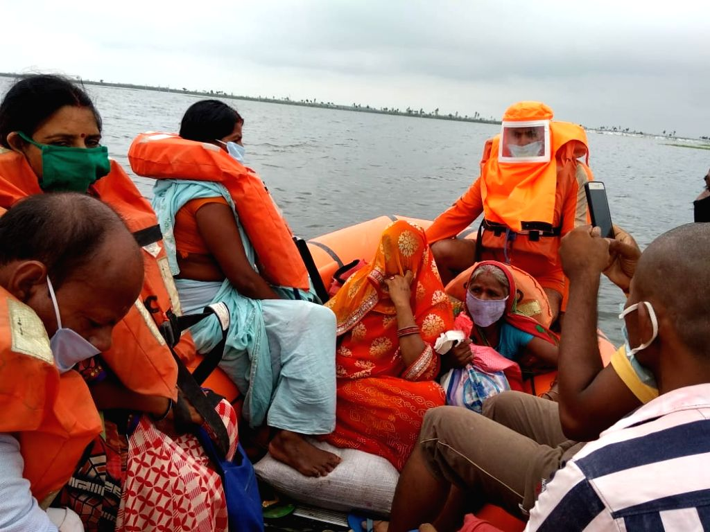 Bihar floods: NDRF continues to carry out rescue operations, evacuated more than 8 thousand people