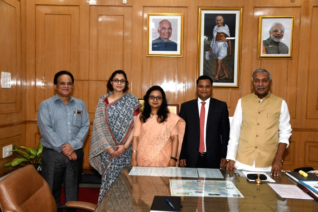 Bihar Governor Phagu Chauhan meets officials from foreign service at Raj Bhavan in Patna on Sep 27, 2019. - Phagu Chauhan