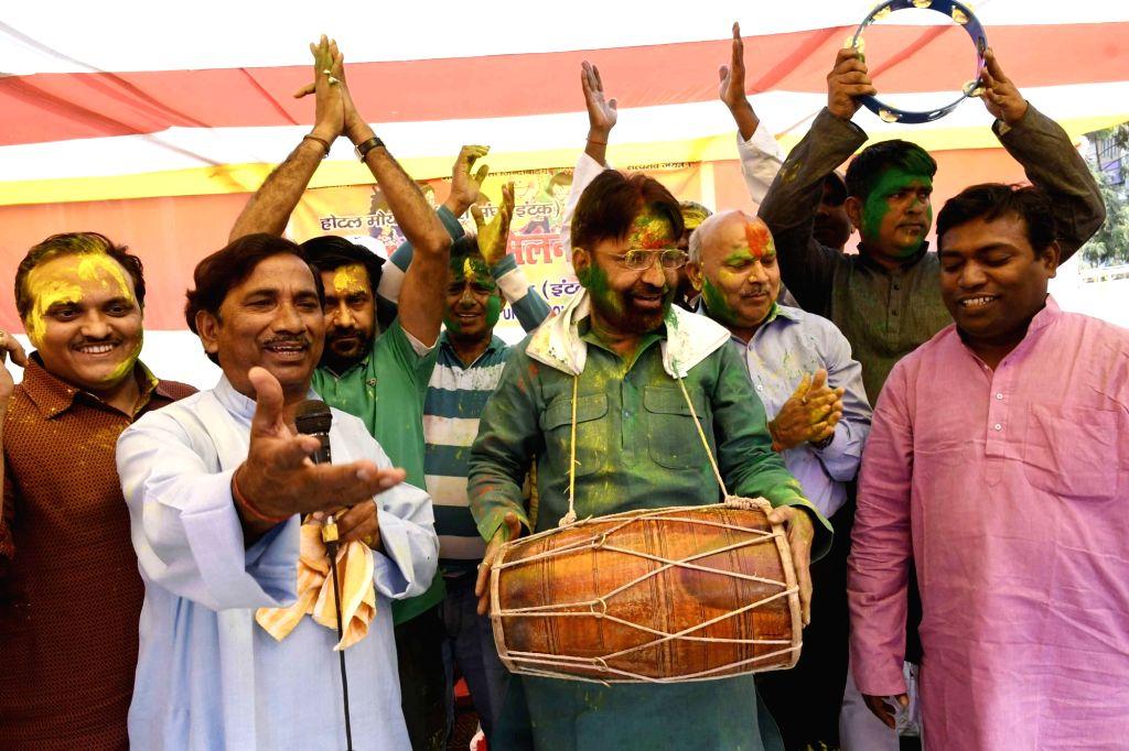 Bihar INTUC president Chandra Prakash Singh during a 'Holi Milan Samaroh' in Patna on March 10, 2017. - Chandra Prakash Singh