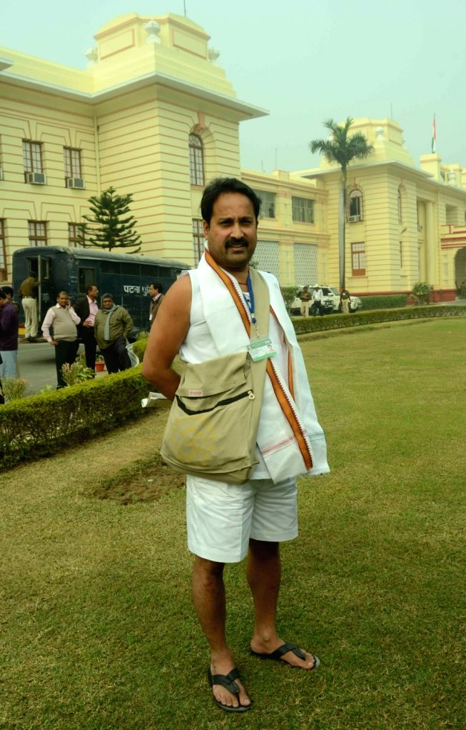 """Bihar legislator Vinay Bihari who was prevented from entering the Bihar Assembly due to his """"inappropriate outfit"""" in Patna on Nov 28, 2016."""