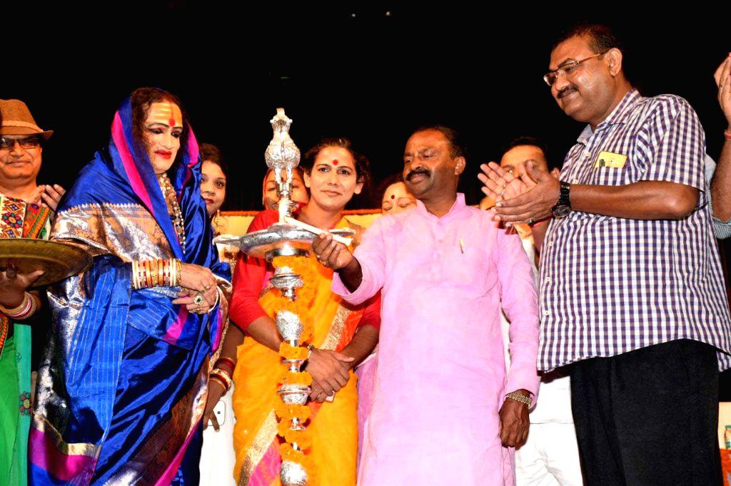 "Bihar Minister Shiv Chander Ram and Transgender activist Laxmi Narayan Tripathi during inauguration of ""Kinnar Mahotsav"" in Patna, on June 23, 2017. - Shiv Chander Ram and Laxmi Narayan Tripathi"