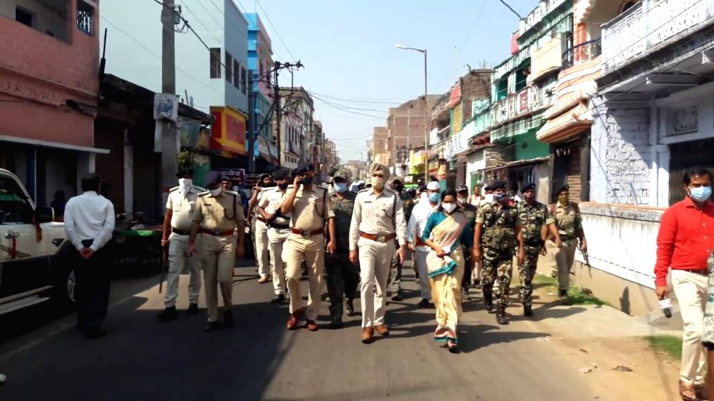 Bihar: Munger situation normal, shops open, police conducts flag march