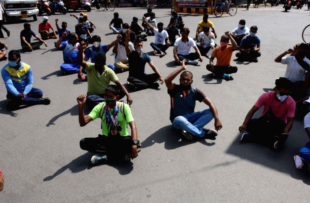 Bihar Players Association protests on sports day, said- Government should start appointing players in government jobs, in Patna on August 29, 2020.