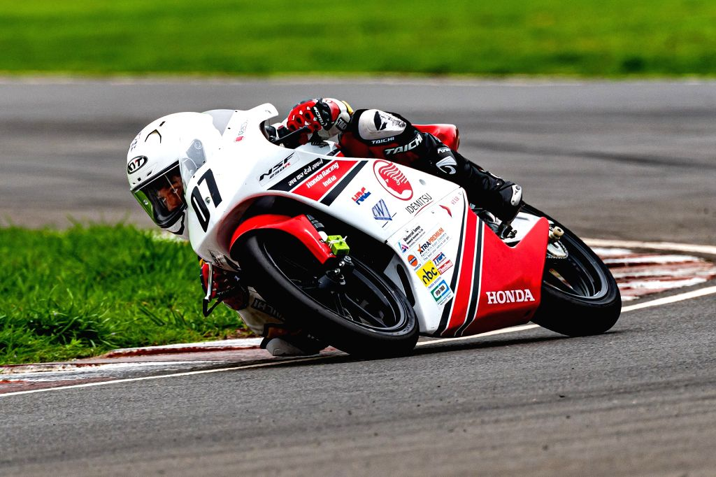 Bike racer Mikail in action at the IDEMITSU Honda Talent Cup.