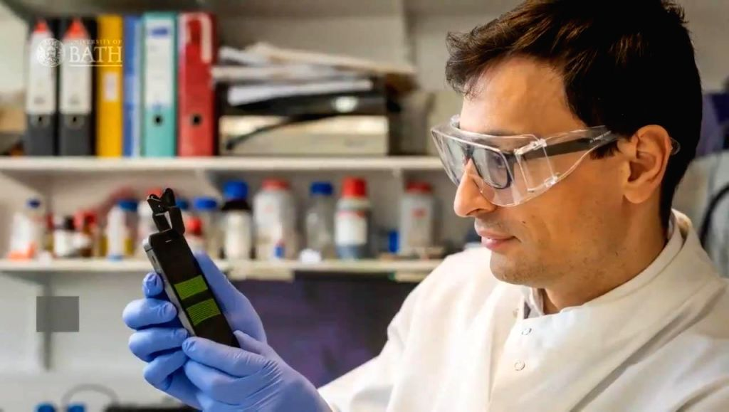 Biological engineers at University of Bath in the UK have developed a smartphone-based 25-minute long test that could help doctors quickly diagnose urinary tract infections (UTIs). (Photo Courtesy: Twitter/University of Bath)