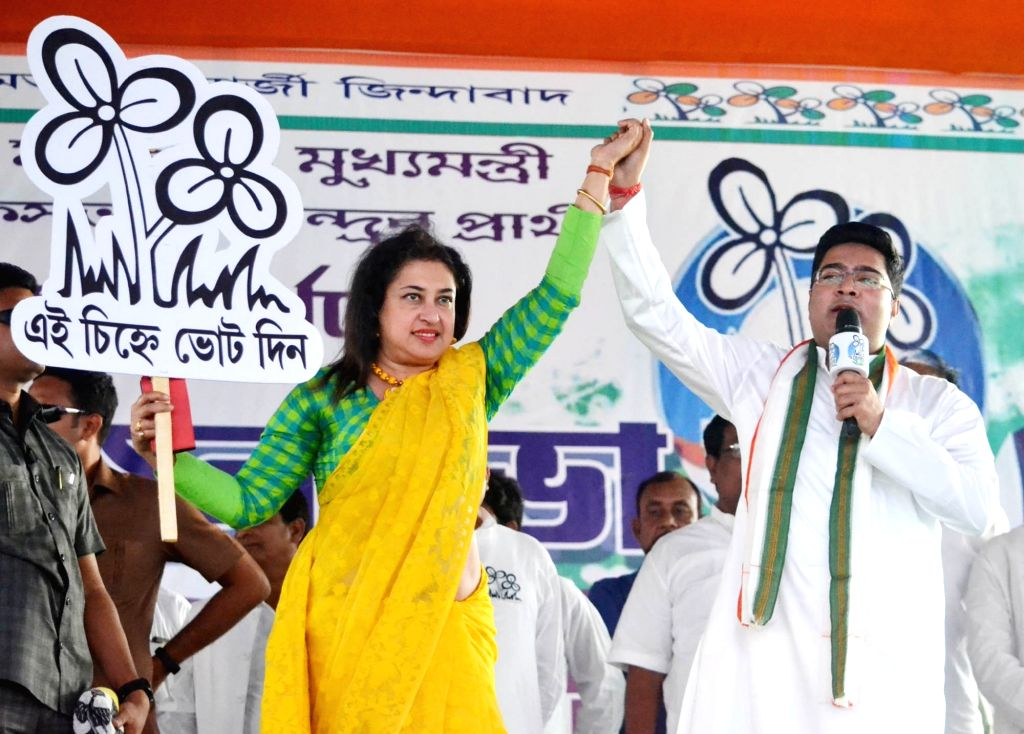 Birbhum: Trinamool MP Abhishek Banerjee campaign for party's Lok Sabha candidate from Birbhum, Satabdi Roy in West Bengal's Birbhum district, ahead of 2019 Lok Sabha elections, on April 19, 2019. (Photo: Indrajit Roy/IANS) - Abhishek Banerjee, Satabdi Roy and Indrajit Roy