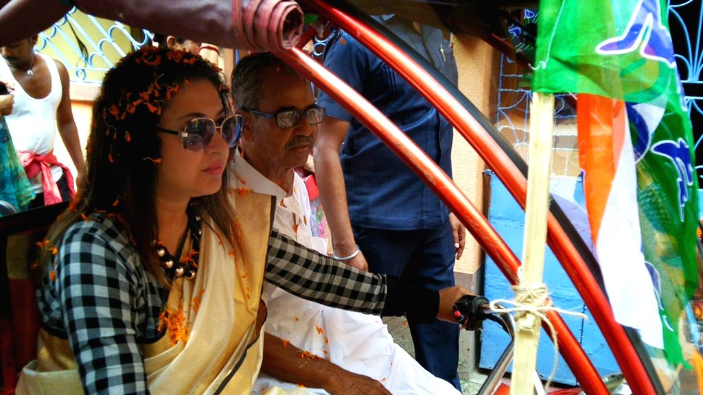 Birbhum (West Bengal): TMC MP and the party's Lok Sabha candidate from Birbhum, Satabdi Roy drives an e-rickshaw during an election campaignfor the forthcoming Lok Sabha elections, at Rodipur of ... - Satabdi Roy