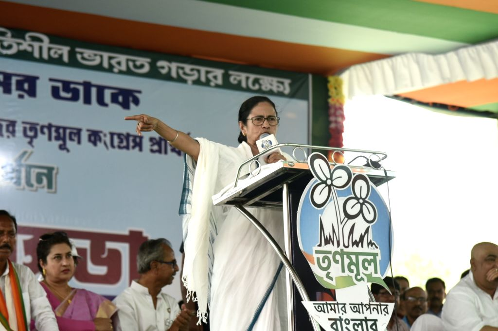 Birbhum (West Bengal): West Bengal Chief Minister and TMC supremo Mamata Banerjee addresses a public rally ahead of the 2019 Lok Sabha elections, in West Bengal's Birbhum, on April 25, 2019. - Mamata Banerjee