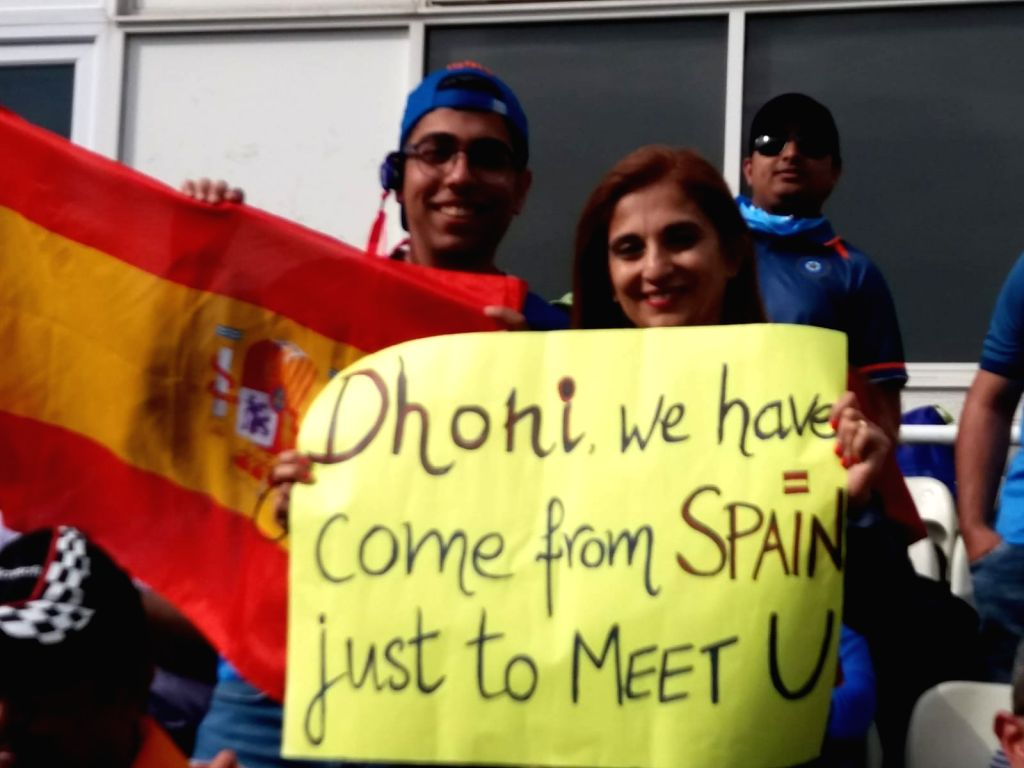 Birmingham:  Fan travels from Spain to England just to watch MS Dhoni play (Photo: IANS) - MS Dhoni