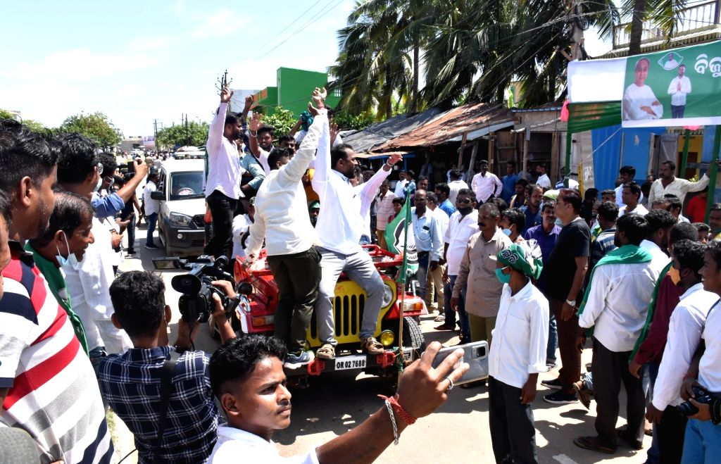 BJD candidate Rudra prasad Maharathy with supporter after winning  by-poll to the Pipili assembly constituency in Odisha's Puri district on Sunday October 03,2021