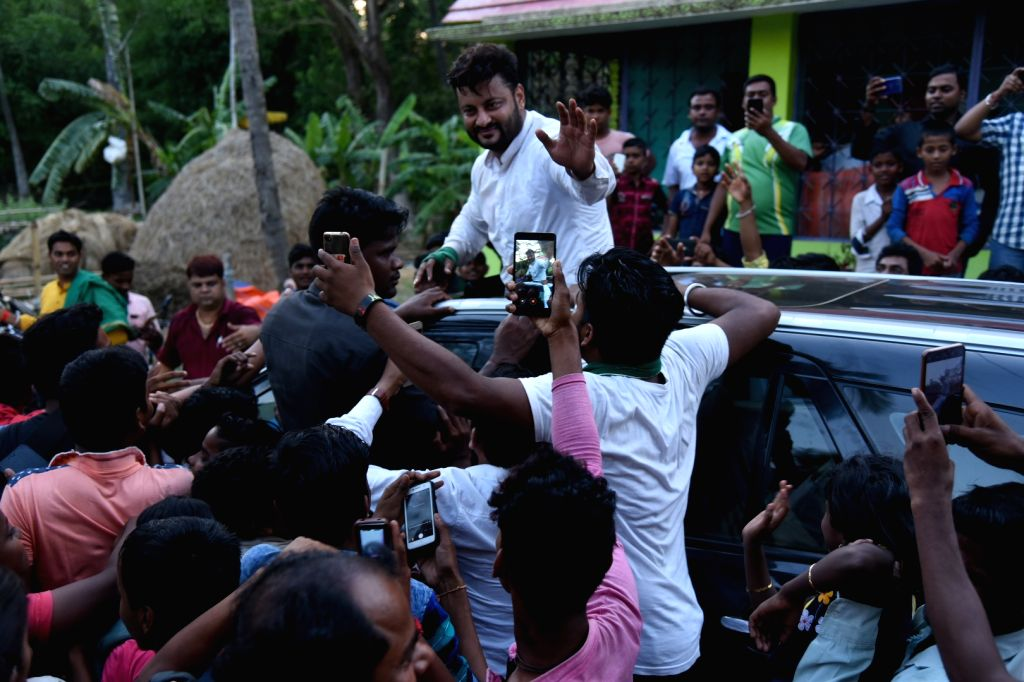 BJD Lok Sabha candidate from Kendrapara Lok Sabha constituency, Anubhav Mohanty uring a roadshow ahead of 2019 Lok Sabha elections in Odisha's Salipur on April 10, 2019.