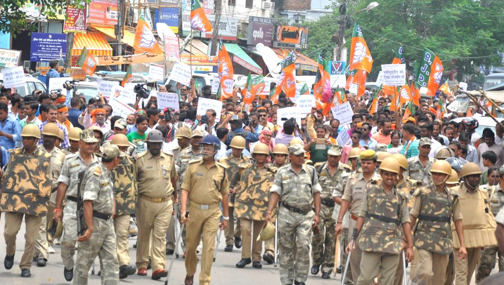 BJP activists protest against BSP workers in Lucknow on July 23, 2016.