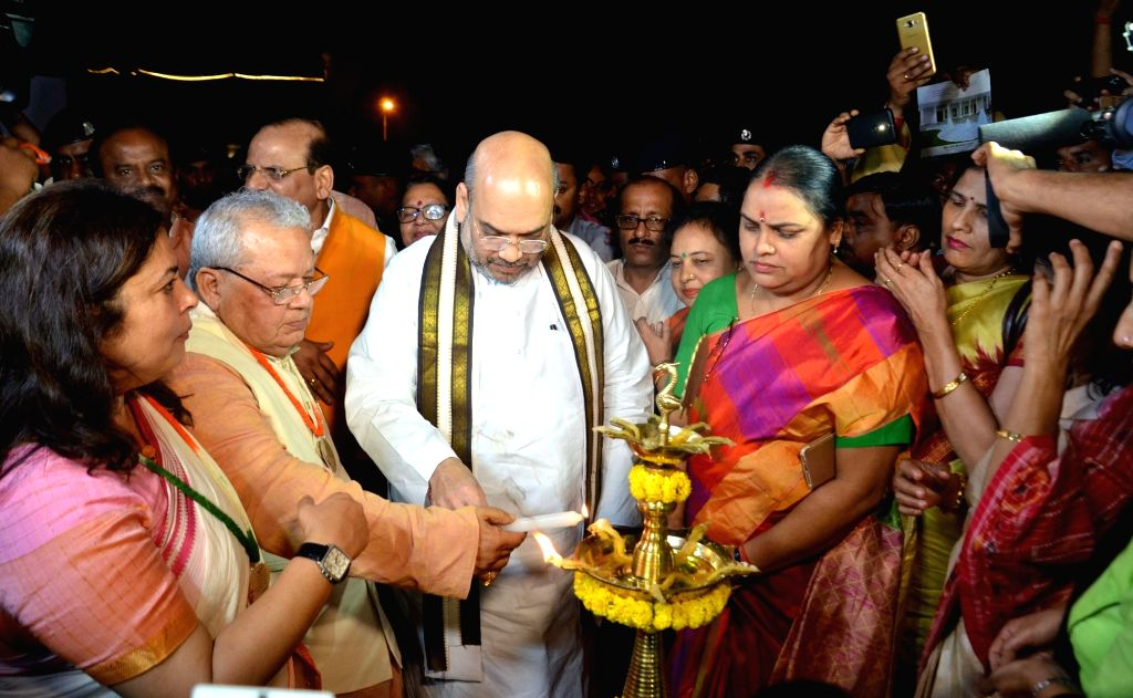BJP chief Amit Shah inaugurates 'Heritage Charkha' at Connaught Place in New Delhi on May 21, 2017. - Amit Shah