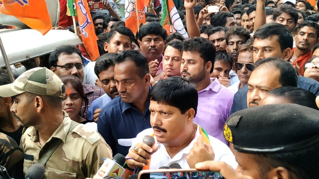 BJP leader Arjun Singh addresses party workers during a demonstration in West Bengal's Bhatpara, on June 1, 2019. The demonstration comes in the wake of a baton charge carried out by the ... - Arjun Singh