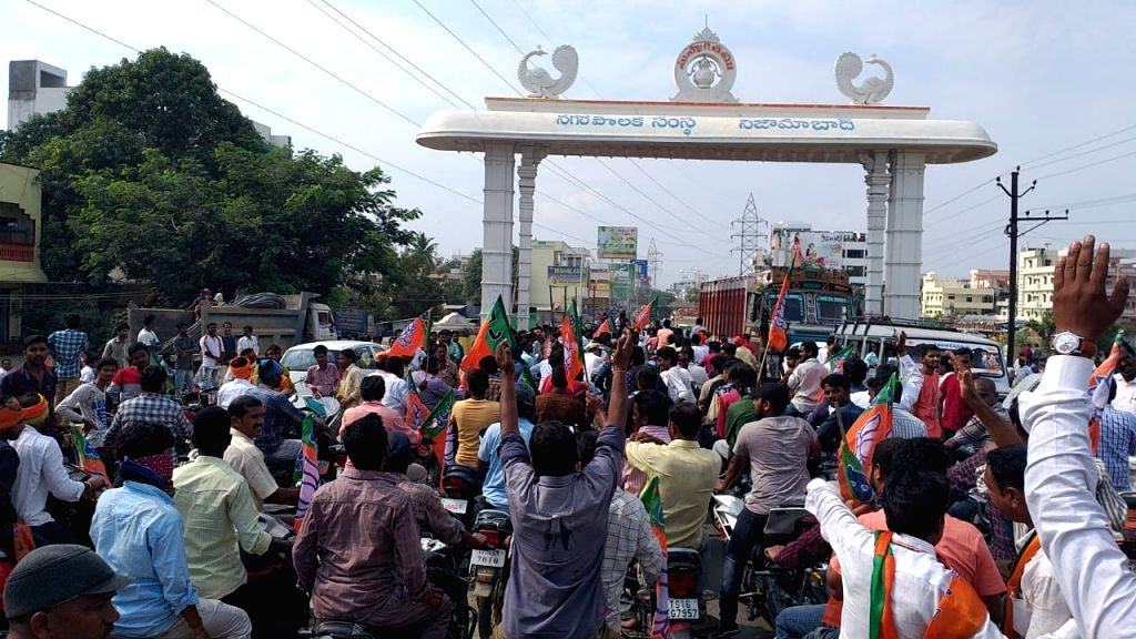BJP leader Bandaru Dattatreya during a roadshow ahead of Telangana Assembly elections in Nizamabad on Nov 5, 2018.