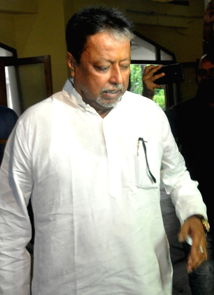 BJP leader Mukul Roy arrives to appear before the CBI in connection with the Narada Sting operation case, in Kolkata on Sep 28, 2019. - Mukul Roy