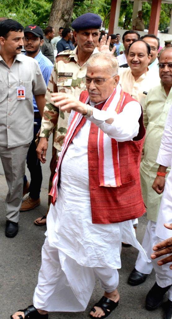 BJP leader Murali Manohar Joshi arrives at a Lucknow guest house on May 30, 2017. - Murali Manohar Joshi