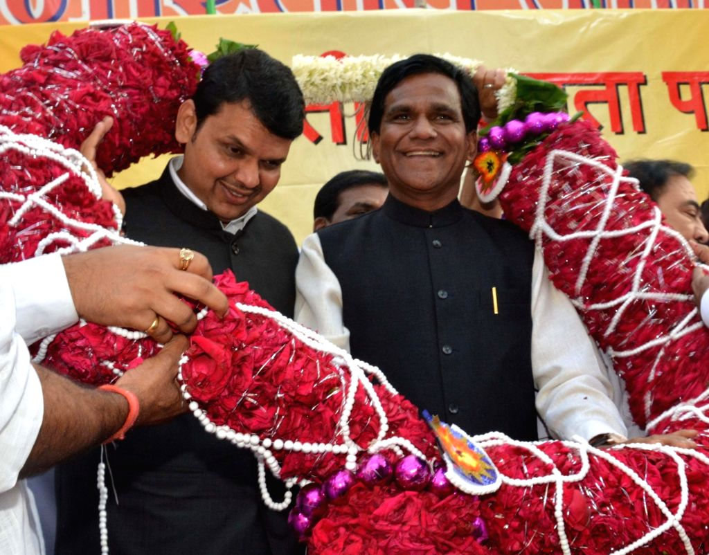 BJP leader Raosaheb Patil Danve who has been re-elected as party`s Maharashtra chief with Chief Minister and BJP leader Devendra Fadnavis in Mumbai, on Jan 18, 2016.