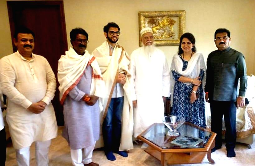 BJP leader Shaina NC, Shiv Sena leader Aditya Thackeray and the party's Lok Sabha candidate from Mumbai South, Arvind Sawant meet Dawoodi Bohra community leader Shahzada Qaidjoher Bhaisaheb ...