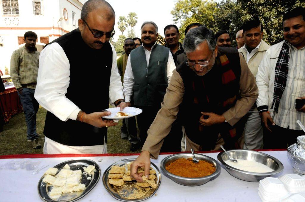 BJP leader Sushil Kumar Modi celebrates Makar Sankranti at his residence in Patna, on Jan 16, 2016.