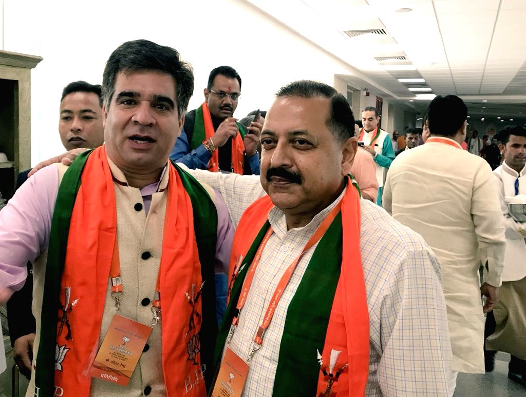 BJP leaders Jitendra Singh and Ravinder Raina on the second day of the party's National Executive meeting, in New Delhi on Sept 9, 2018. - Jitendra Singh