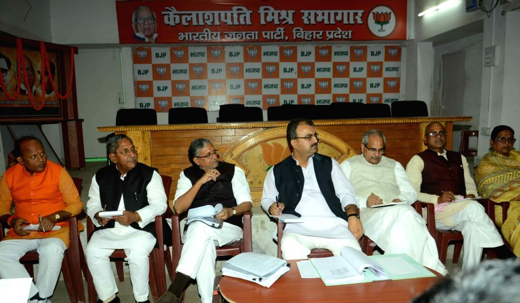 BJP leaders Mangal Pandey, Sushil Kumar Modi and others during party meeting in Patna, on Nov 26, 2015. - Mangal Pandey and Sushil Kumar Modi