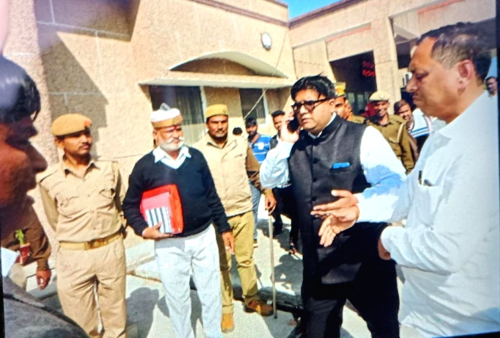 BJP Legislator Rakesh Singh Baghel,stages a sit-in demanding action against district and police officials, who lathicharged his supporters, in Noida on March 7, 2019. He was roughed up by ... - Ashutosh Tandon and Rakesh Singh Baghel