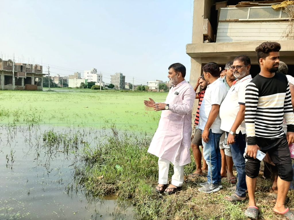 BJP MP from Patliputra, Ram Kripal Yadav during his visit to Vikash Vihar Colony for surprise inspection amid fears of dengue outbreak in Bihar; in Patna on Oct 16, 2019. - Kripal Yadav