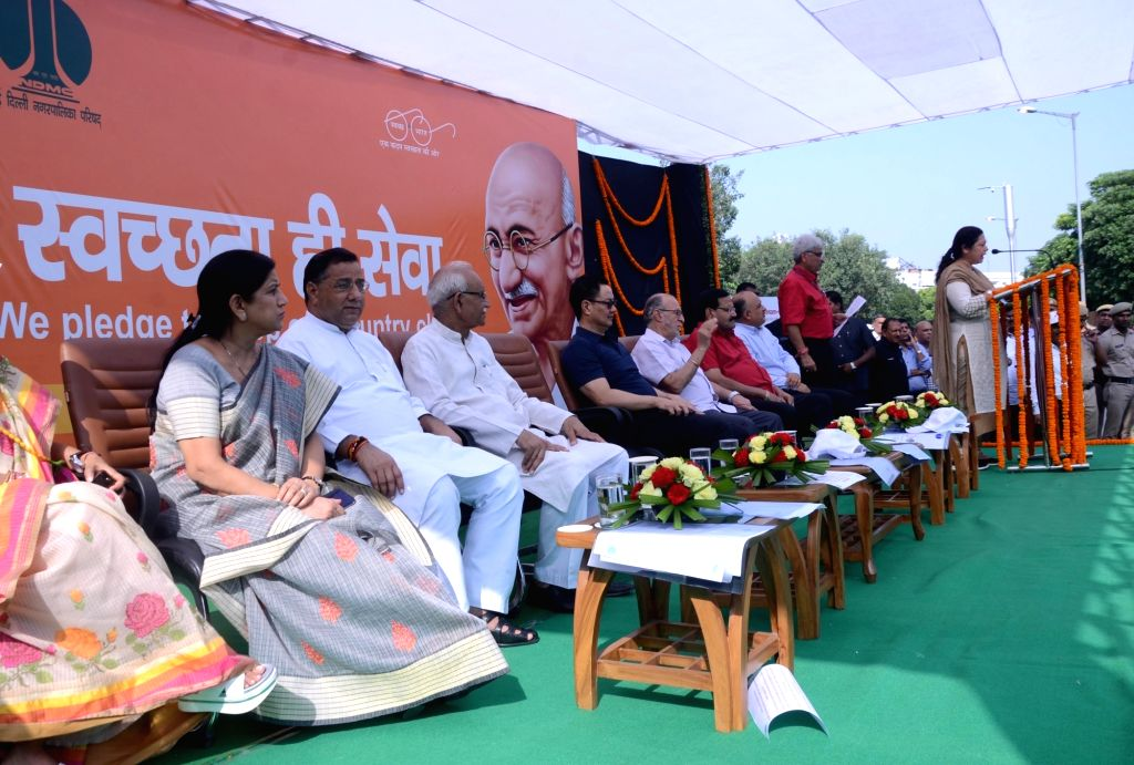 BJP MP Meenakashi Lekhi addresses during a a cleanliness drive organised as part of the 'Swachhata Hi Seva Movement', in New Delhi on Sept 15, 2018. Also seen Also seen Delhi Lieutenant ...