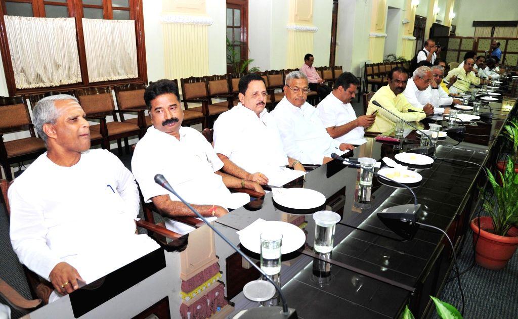BJP MPs, MLAs and MLCs during a BJP meeting chaired by Karnataka Chief Minister B.S. Yeddiyurappa at Vidhana Soudha, in Bengaluru on Oct 9, 2019. - B.