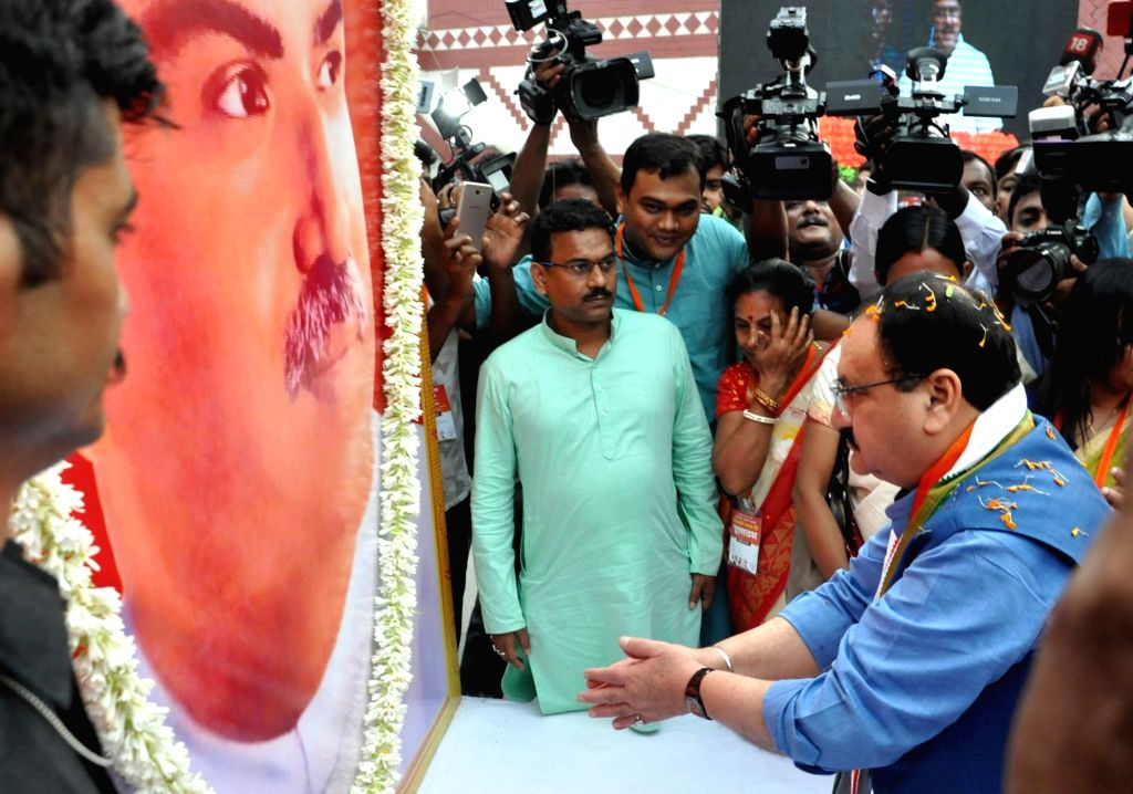 BJP National Working President J.P. Nadda pays tributes to Syama Prasad Mukherjee as he arrives to to address 'Jan Jagran' programme on Article 370 in Kolkata, on Sep 27, 2019. - Syama Prasad Mukherjee