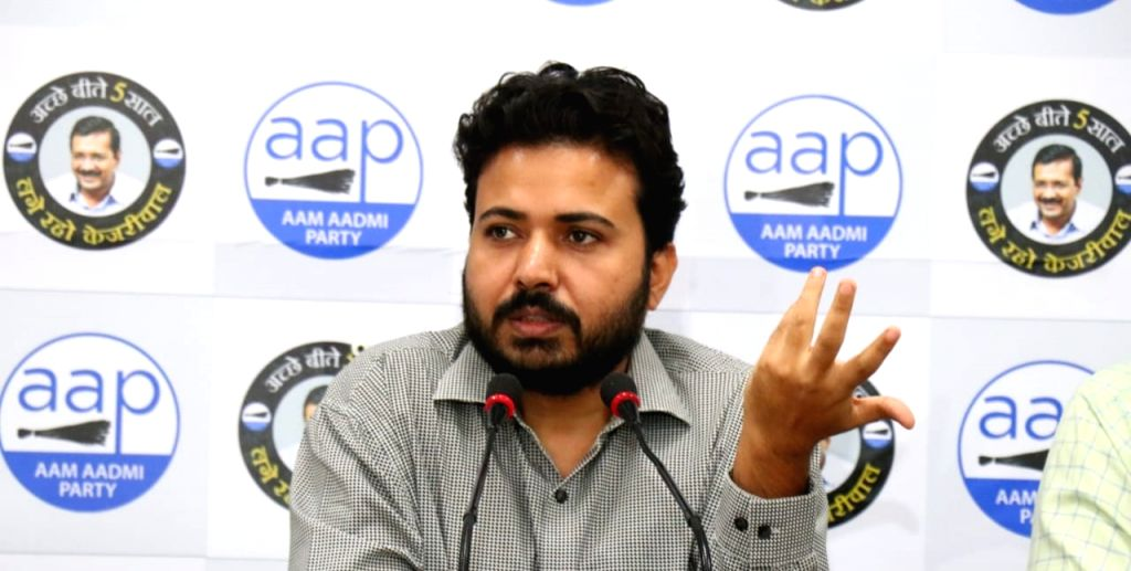 """BJP-ruled MCD pay salaries to employees in a week, otherwise resign """"Durgesh Pathak - Durgesh Pathak"""