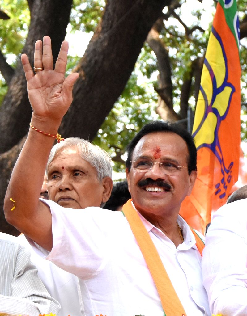 BJP's Lok Sabha candidate from Bengaluru North Lok Sabha constituency, D.V. Sadananda Gowda on his way to file his nomination for 2019 Lok Sabha elections in Bengaluru, on March 25, 2019.