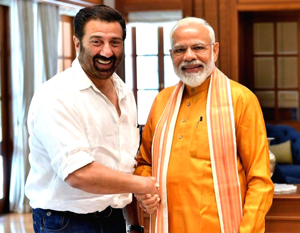 BJP's Lok Sabha candidate from Gurdaspur seat Sunny Deol calls on Prime Minister Narendra Modi in New Delhi, on April 28, 2019. - Narendra Modi
