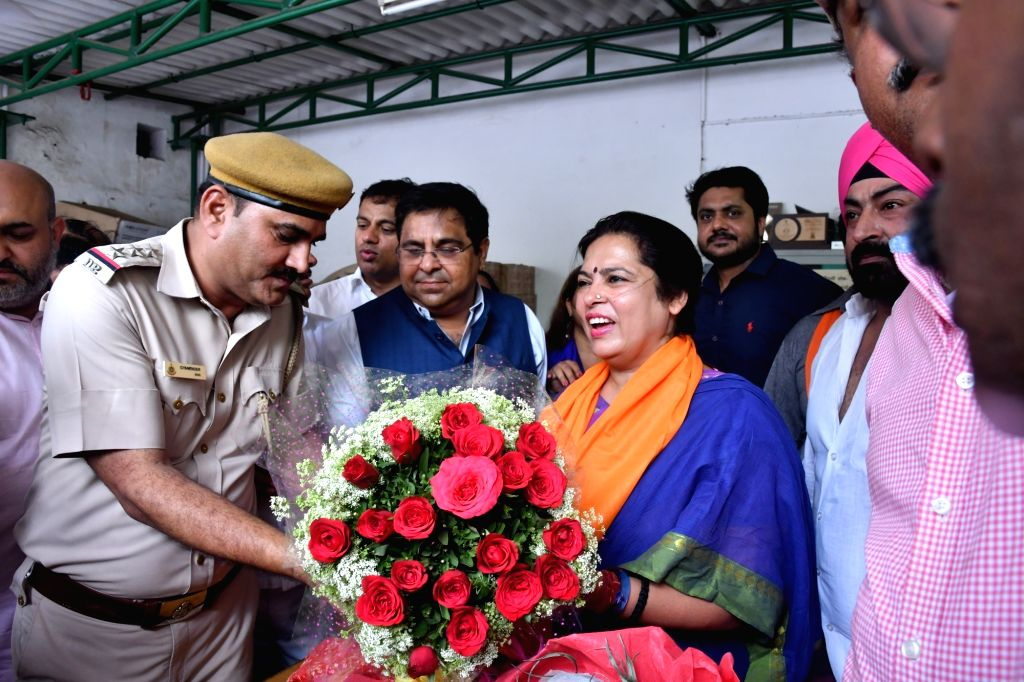 BJP's Lok Sabha candidate from New Delhi, Meenakshi Lekhi who emerged victorious against Congress' Ajay Makan with a total of 5,04,206 votes in the 2019 Lok Sabha elections, being welcomed ...