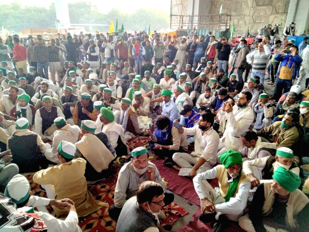 BJP top brass meets to discuss farmers' Delhi protest