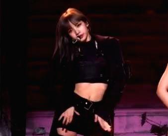 BLACKPINK member Lisa accused of copying choreography.