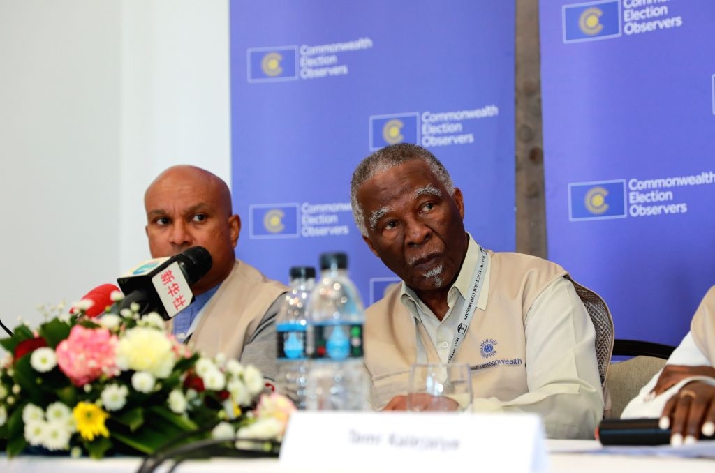 BLANTYRE, May 24, 2019 - Thabo Mbeki (R), the Head of the Commonwealth Election Observer Group, also former South African president, speaks at a press briefing in Blantyre, Malawi, May 23, 2019. ...