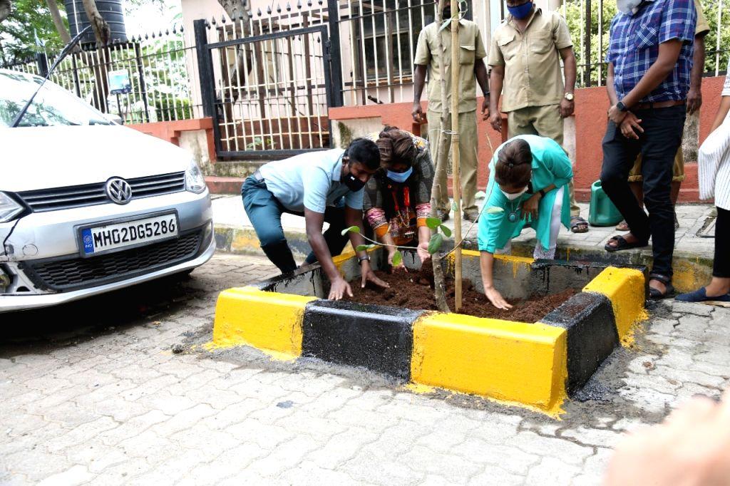 BMC Asst Comm Vishvas Mote Brings Together Animal Activists Ayesha Jhulka and Anusha Srinivasan Iyer In Tree Plantation To Make Earth Green Again on Thursday June 23, 2021.