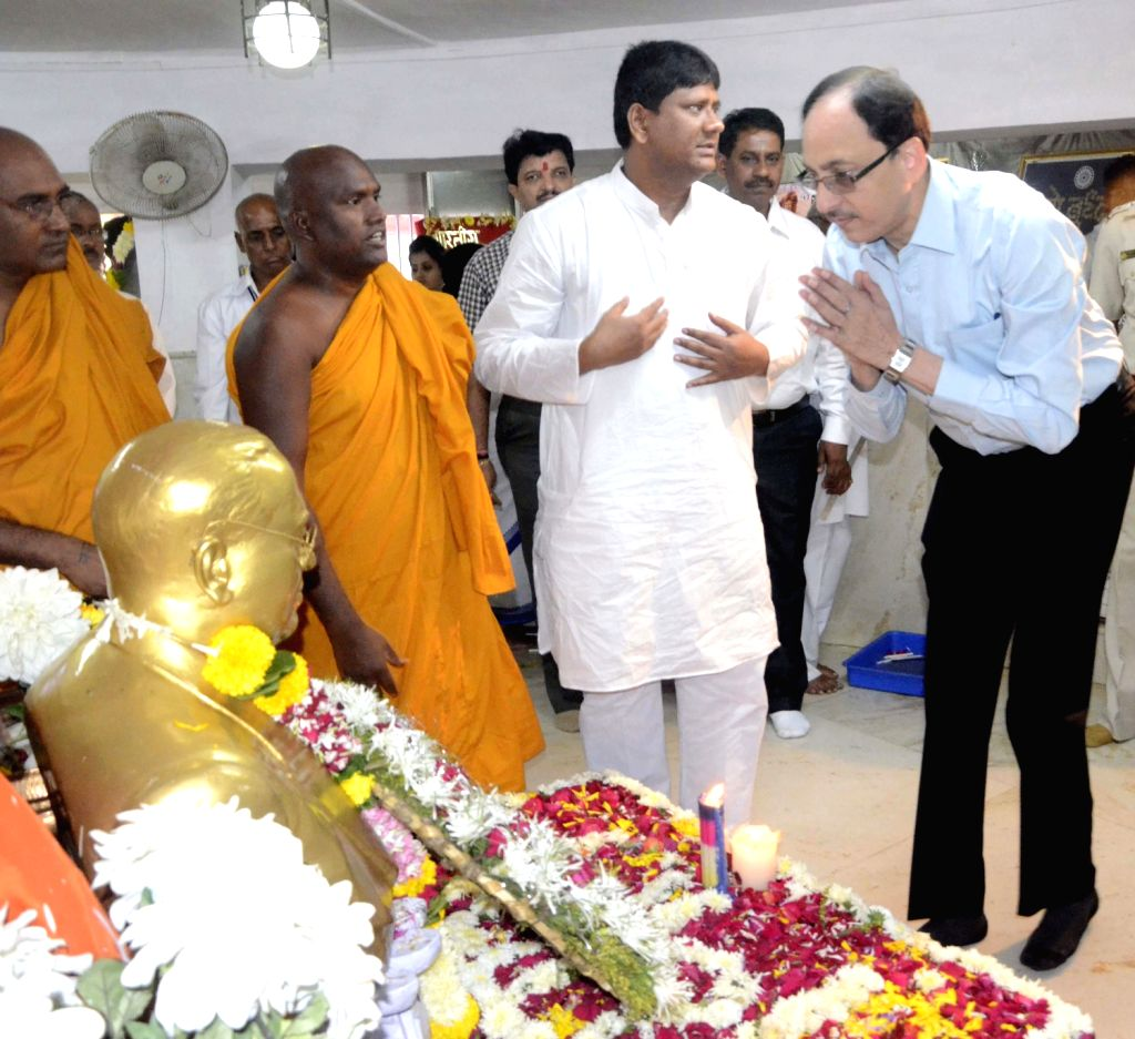 BMC Commissioner Sitaram Kunthe pays tribute to Bhimrao Ramji Ambedkar on his death anniversary at Chaityabhoomi in Mumbai on Dec.6, 2013.